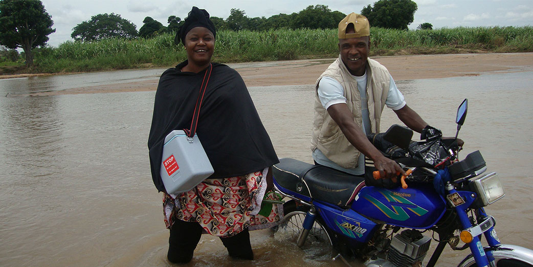 Dr. Endie Waziri – Crossing a river in Nigeria to vaccinate children against polio